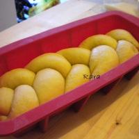 Treccia e brioche ripiene con crema al limone