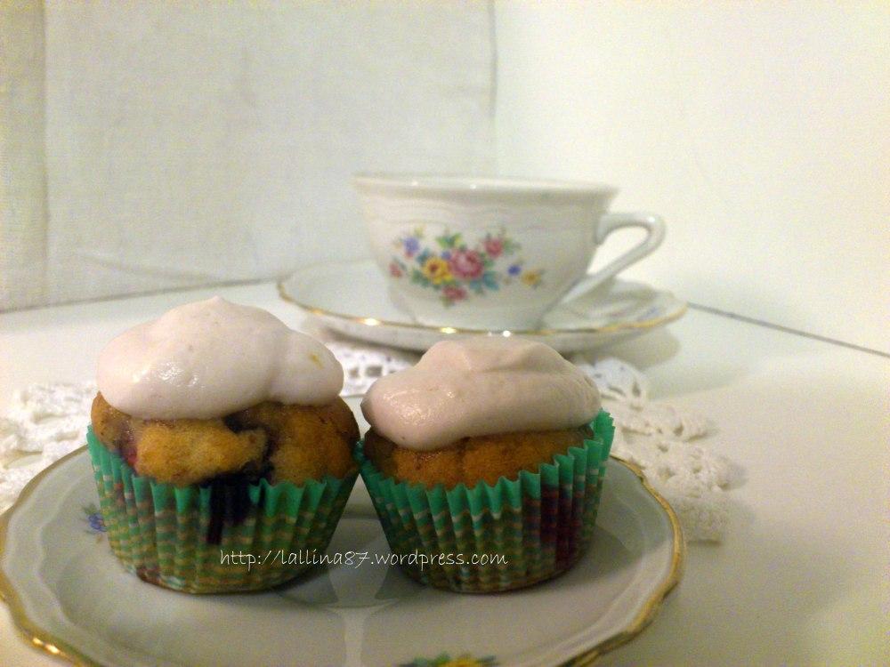 Mini muffin ai frutti di bosco con crema di yogurt (gluten free) (4/6)
