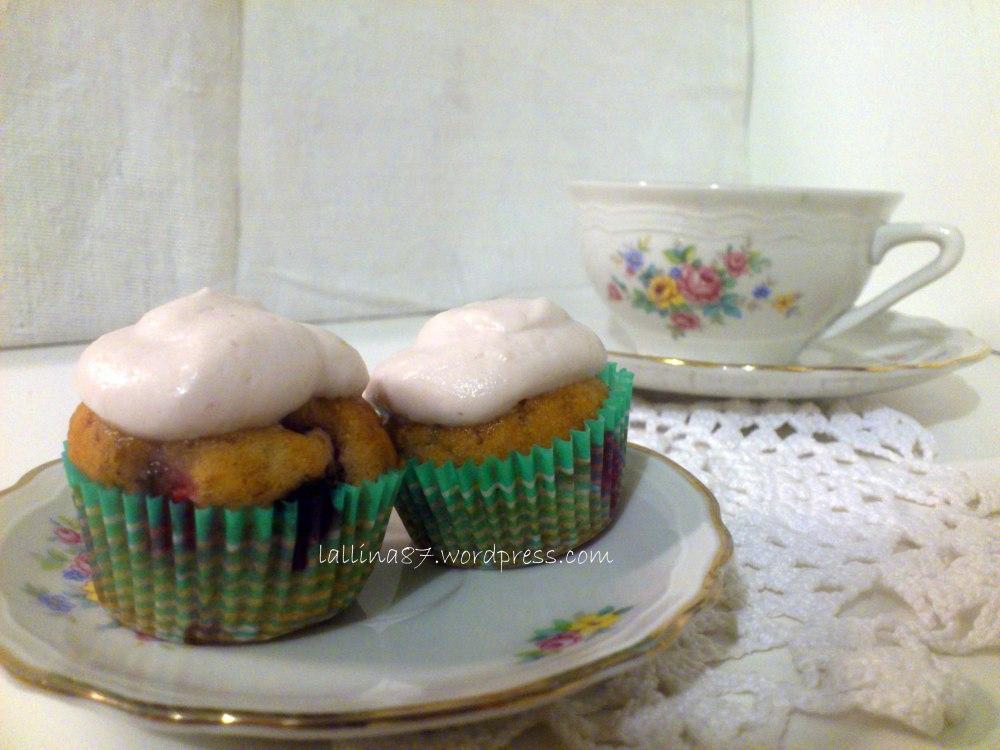 Mini muffin ai frutti di bosco con crema di yogurt (gluten free) (1/6)