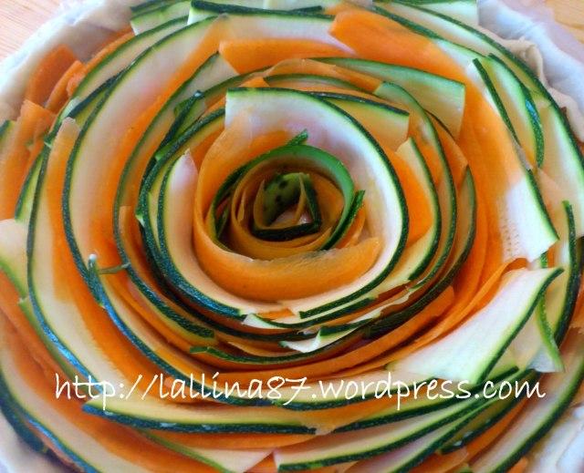crostata salata petali zucchine e carote (6)