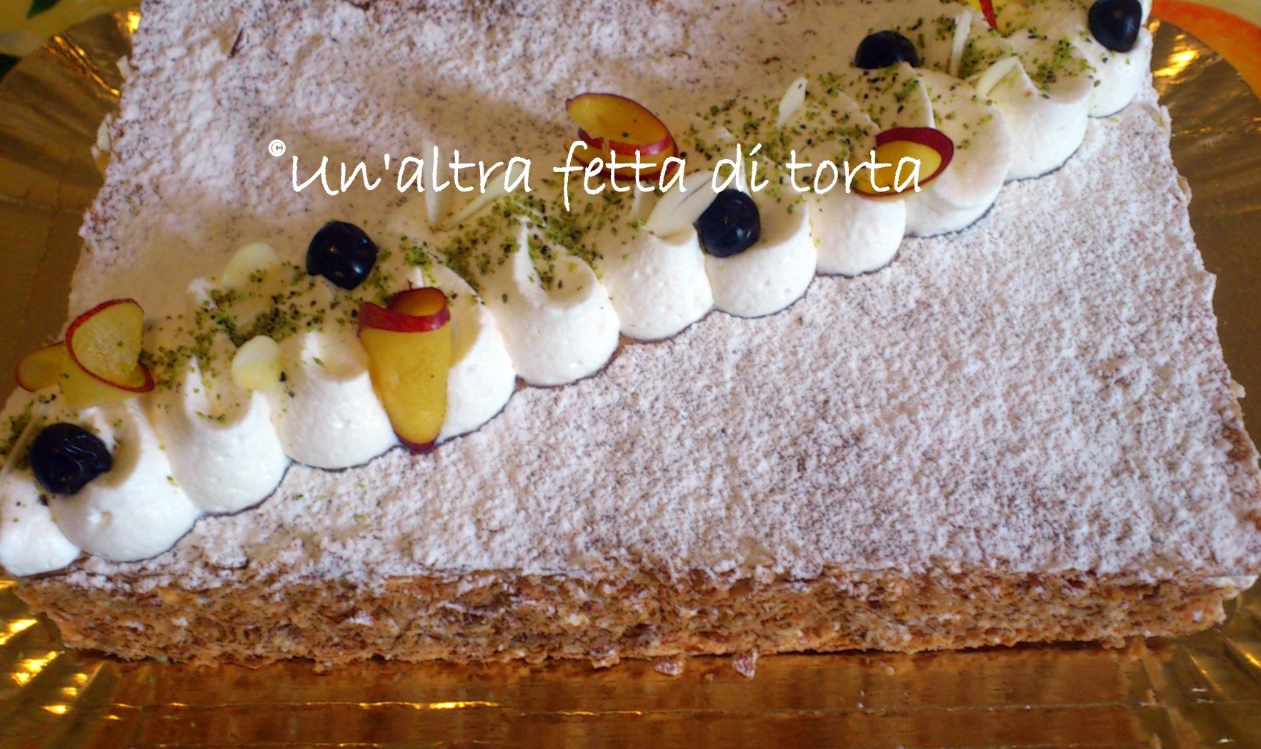 Millefoglie con crema chantilly e visciole un 39 altra for Decorazione torte millefoglie